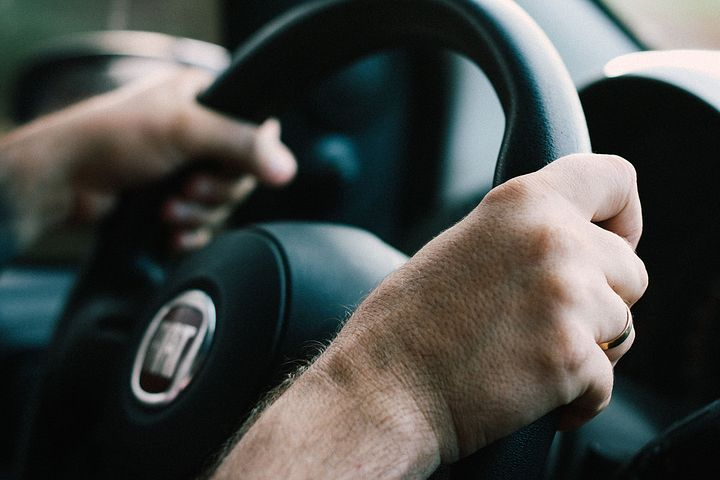 How can driving behaviour help you reduce fuel costs and greenhouse gas emissions?